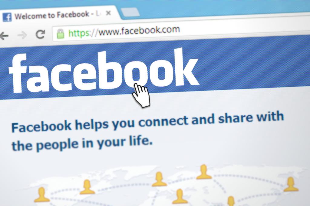 Les Stories de Facebook : clone des Stories d'Instagram et de Snapchat ?